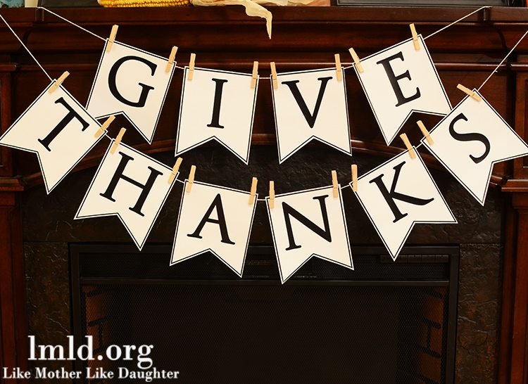 Give Thanks Banner with Printable
