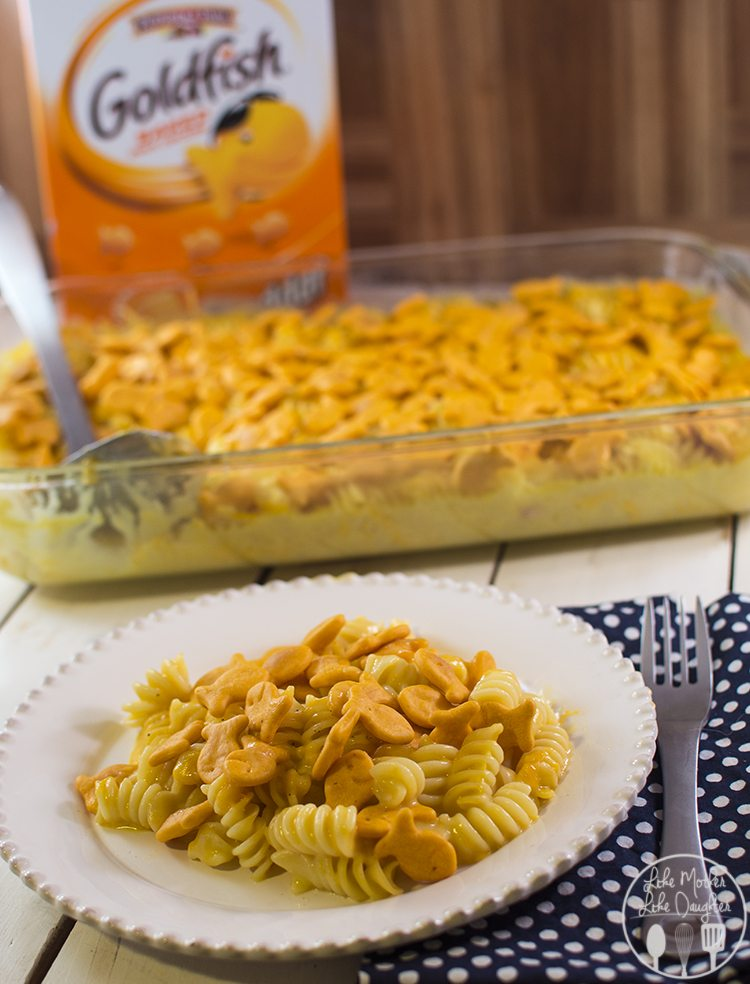 Cheesy Baked Pasta with Goldfish Crackers - this easy cheesy baked pasta is topped with goldfish crackers for an extra cheesy crunch that the whole family will love!