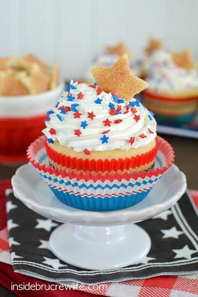 Vanilla-Cherry-Pie-Cupcakes-3