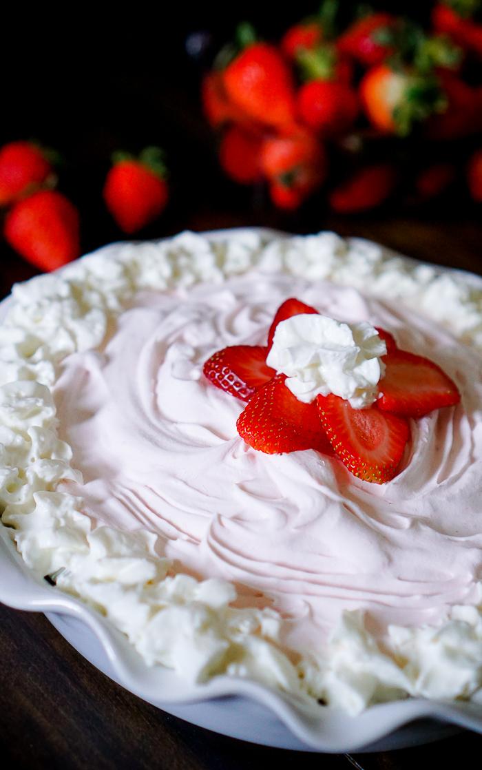 Strawberry-Yogurt-Pie