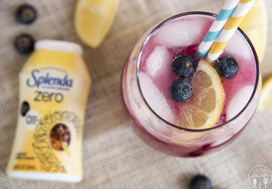 Blueberry Lemonade - This lemonade is perfectly sweet and tart, and is a perfect refreshing drink for a warm day!