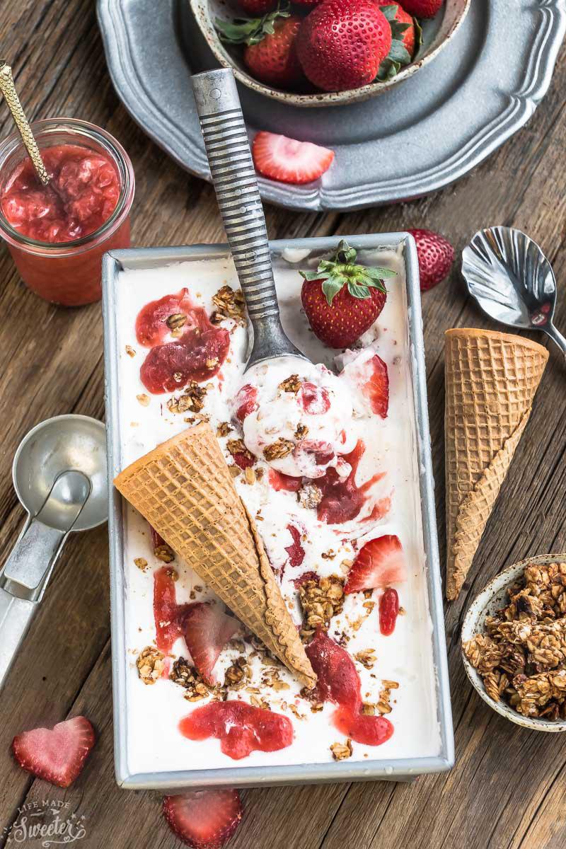 No Churn Strawberry Cheesecake Streusel Ice Cream (WM) (1)