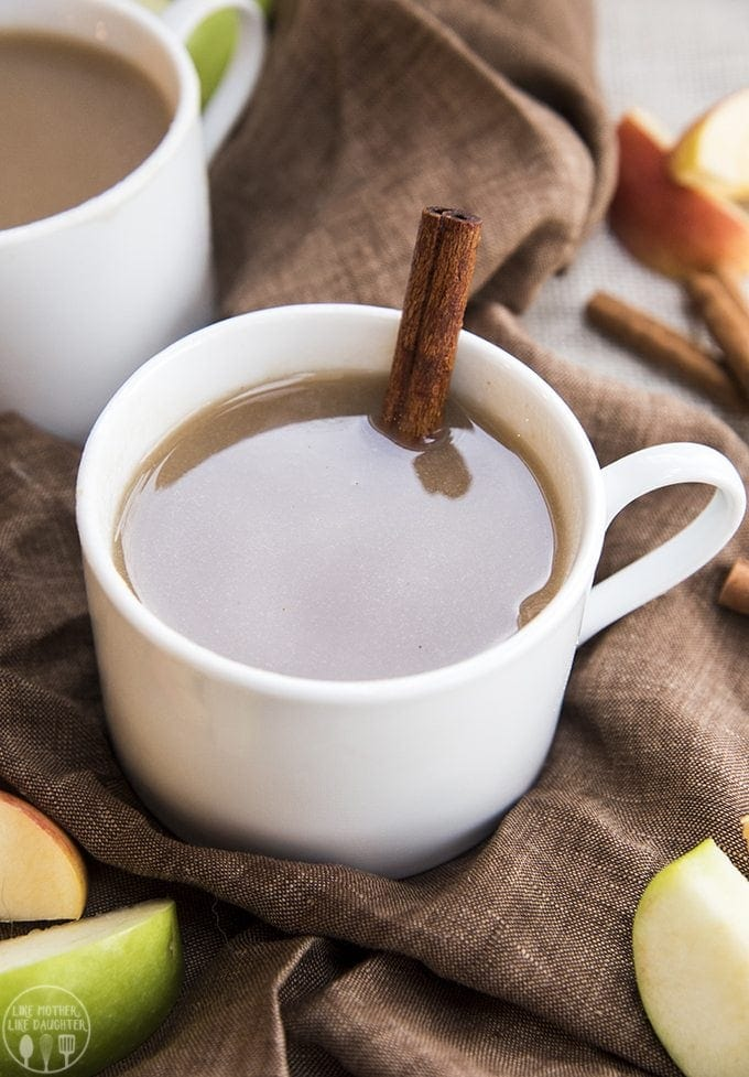 Homemade Homemade Apple Cider is made from scratch with fresh apples and cinnamon, its got the perfect smell and taste of fall. Its like drinking a big cup of comfort!