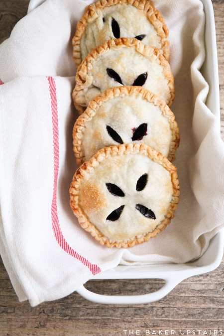 huckleberry_hand_pies_3