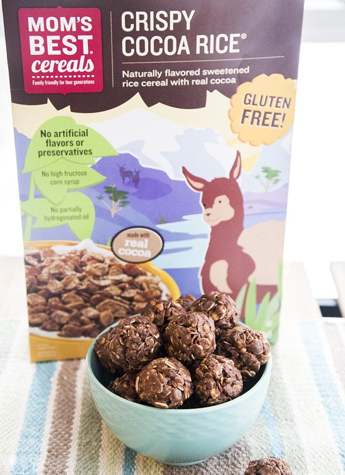This No bake chocolate peanut butter energy balls Recipe are made with just a few ingredients and are so easy to make for a perfect healthier snack or treat!