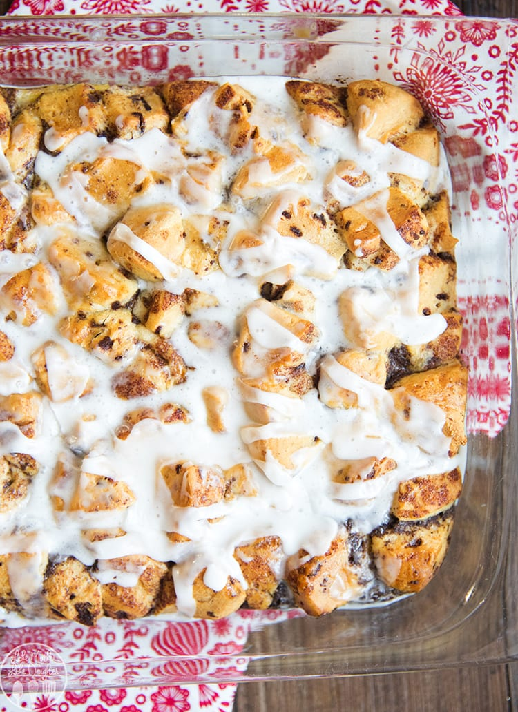 This easy french toast casserole is made with cinnamon rolls, so delicious!