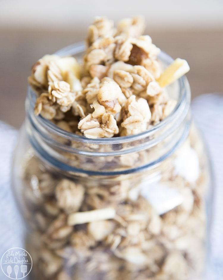 Banana Granola Recipe perfect for breakfast or a snack!