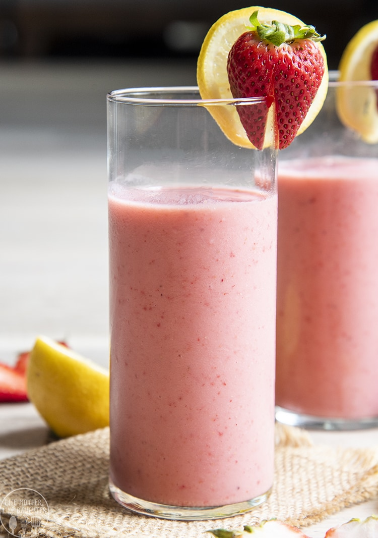 A glass of strawberry lemonade smoothie