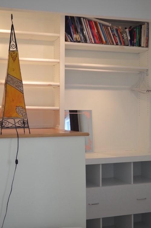 Chambre avec lit simple - Appartement meublé de 5 chambres à Montréal | LM Montréal - Location meublée à Montréal.