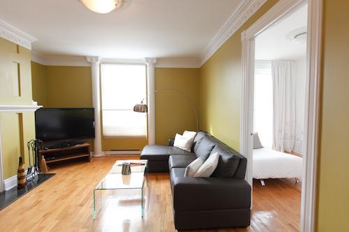 Salon - Appartement meublé de 3 chambres du Mile-End à Montréal | LM Montréal - Location meublée à Montréal