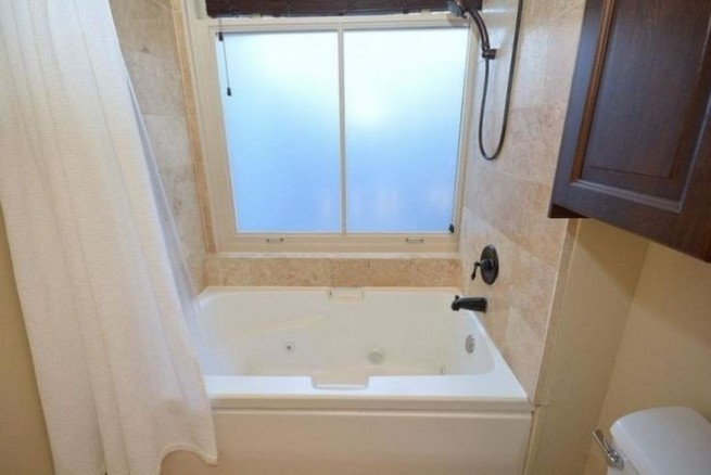 14 Delightful Bathroom Tub Shower Combo Remodeling Ideas 41
