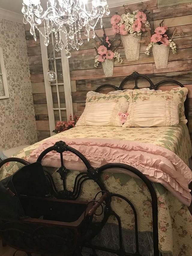 18 Shabby Chic Bedroom Design Ideas 03