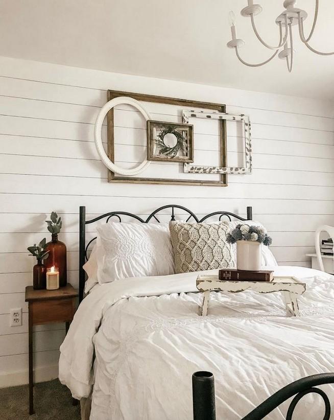 12 Unique Farmhouse Bedroom Remodel Ideas 33