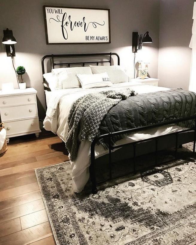 12 Unique Farmhouse Bedroom Remodel Ideas 57