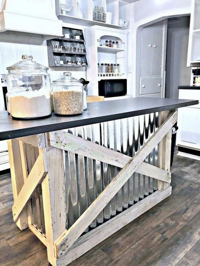 13 Creative Farmhouse Kitchen Decor Ideas 39