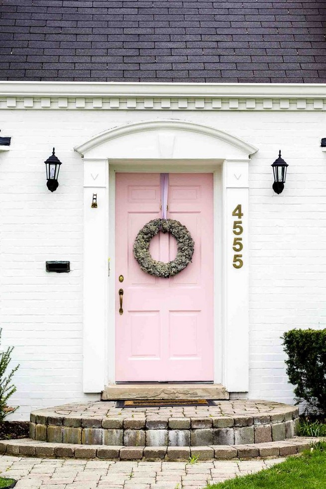 14 Creative Front Doors Decor Ideas 09