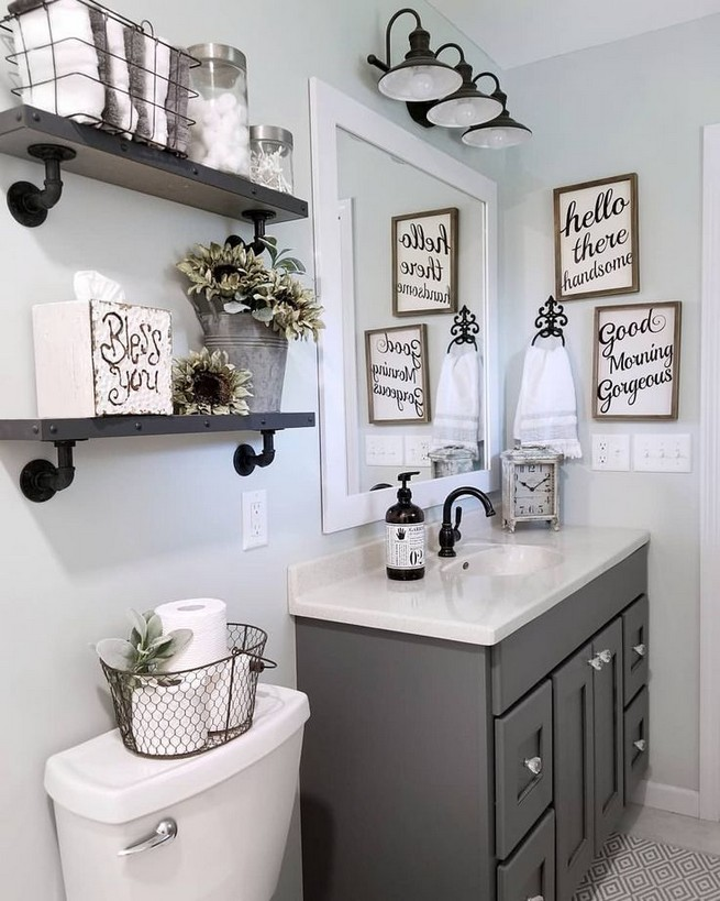 14 Inspiring Small Master Bathroom Decorating Ideas 21