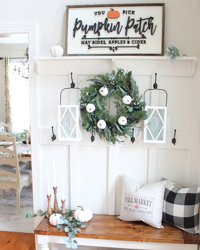 15 Inspiring Farmhouse Fall Decor Ideas 19