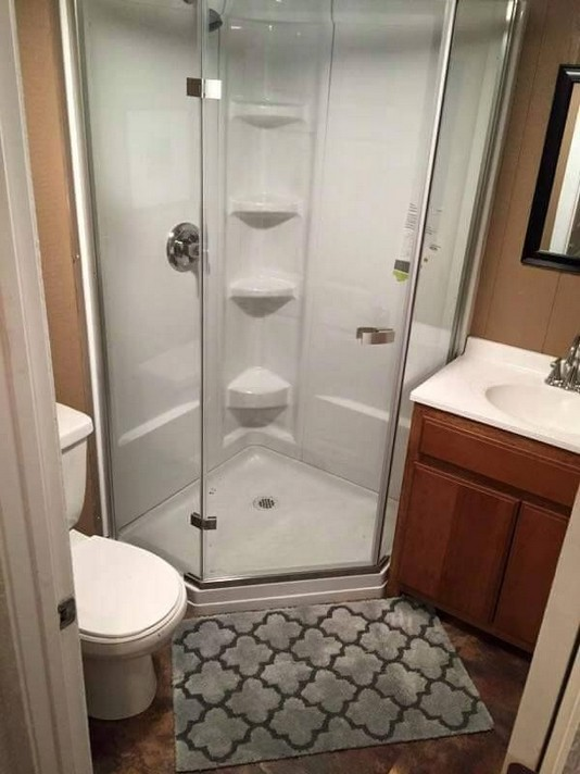 17 Fabulous Small Yet Functional Bathroom Design Ideas 53