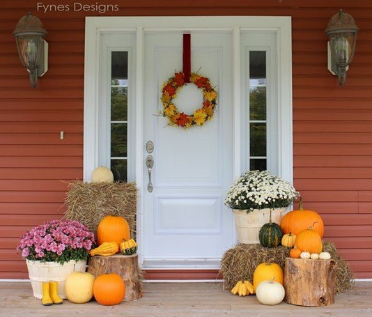 19 Amazing Halloween Porch Ideas 44