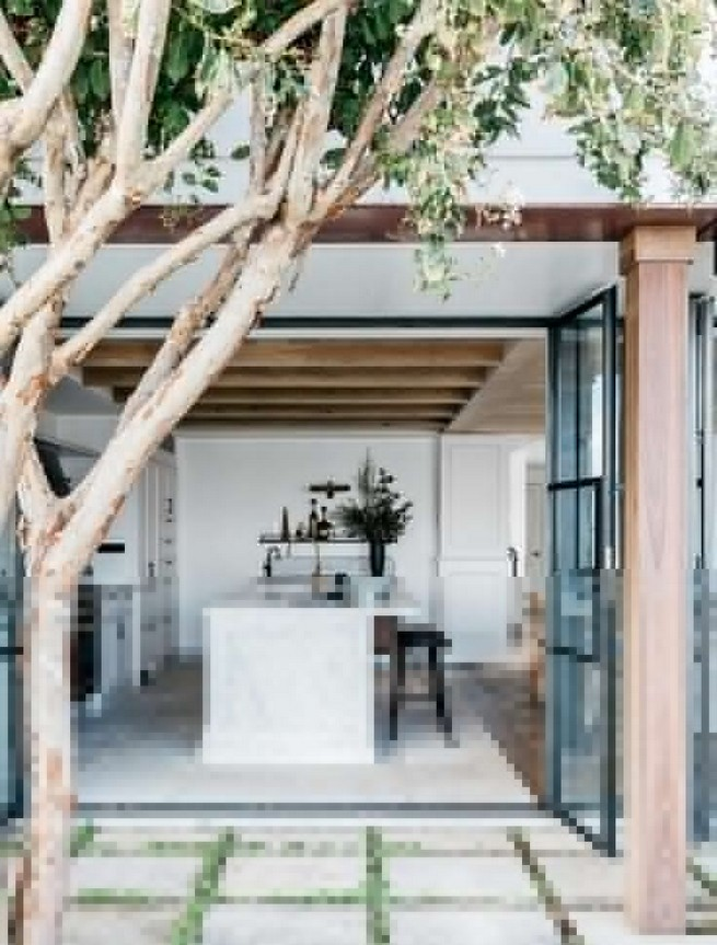 19 Stunning Indoor And Outdoor Beach Dining Spaces Ideas 11
