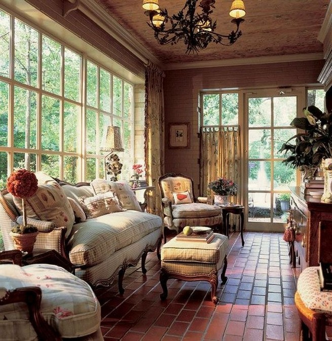 20 Comfy Traditional Living Room Decorating Ideas 32