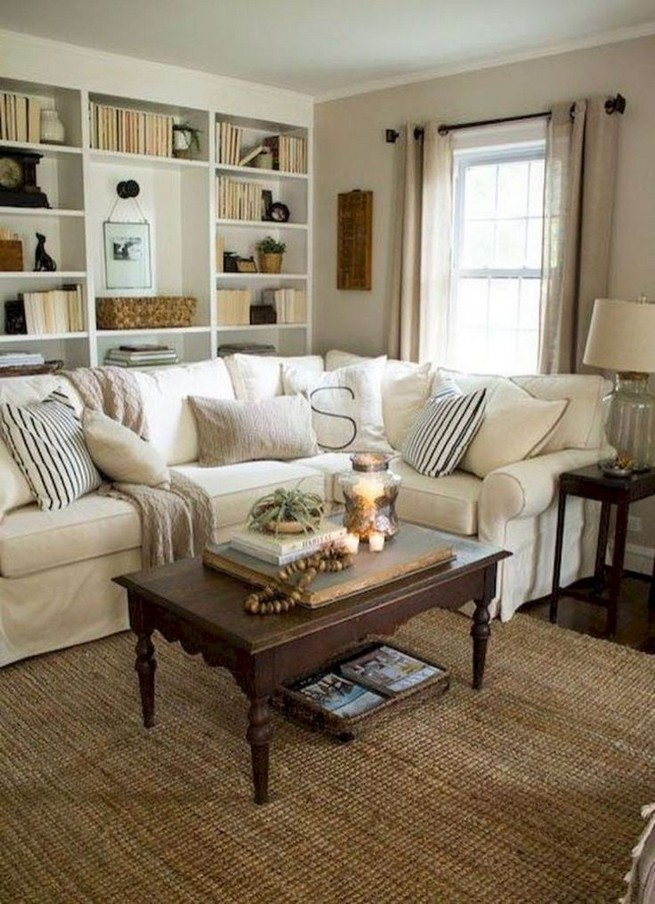 20 Comfy Traditional Living Room Decorating Ideas 47