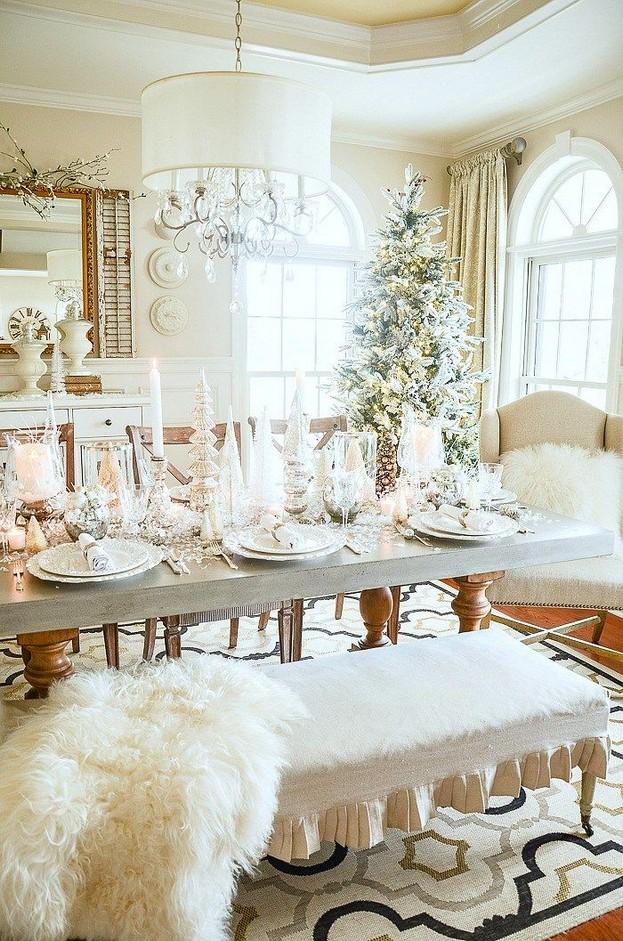 20 Elegant White Winter Wonderland Themed Decoration Ideas 18