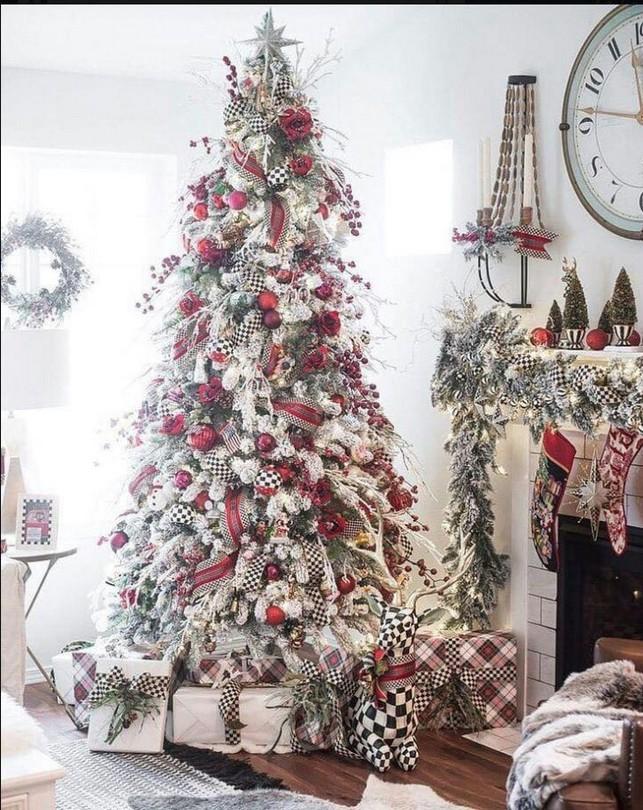 20 Elegant White Winter Wonderland Themed Decoration Ideas 31