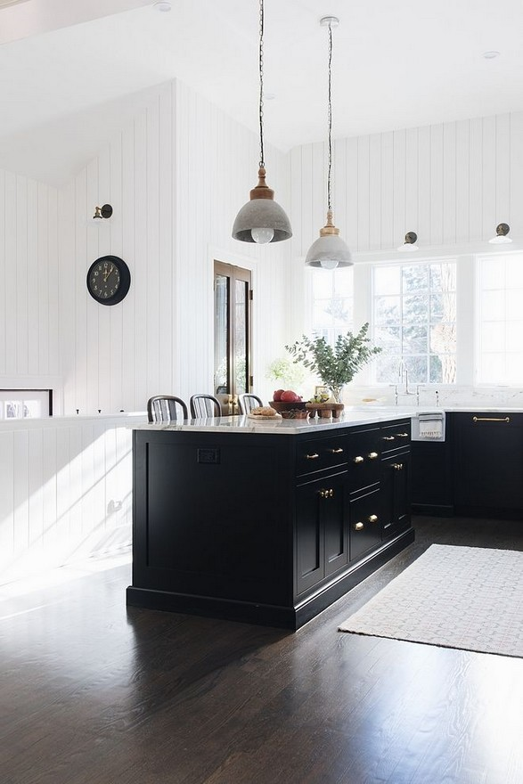 21 Inspiring Black And White Wall Design Ideas For Kitchen 33