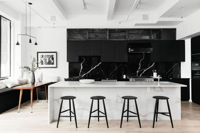 21 Inspiring Black And White Wall Design Ideas For Kitchen 43