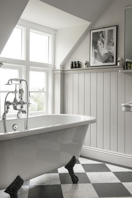21 Outstanding Traditional Bathroom Ideas To Not Miss 05