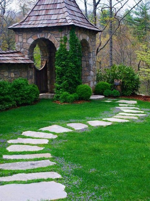 22 Unique Garden Stepping Stone Ideas 08