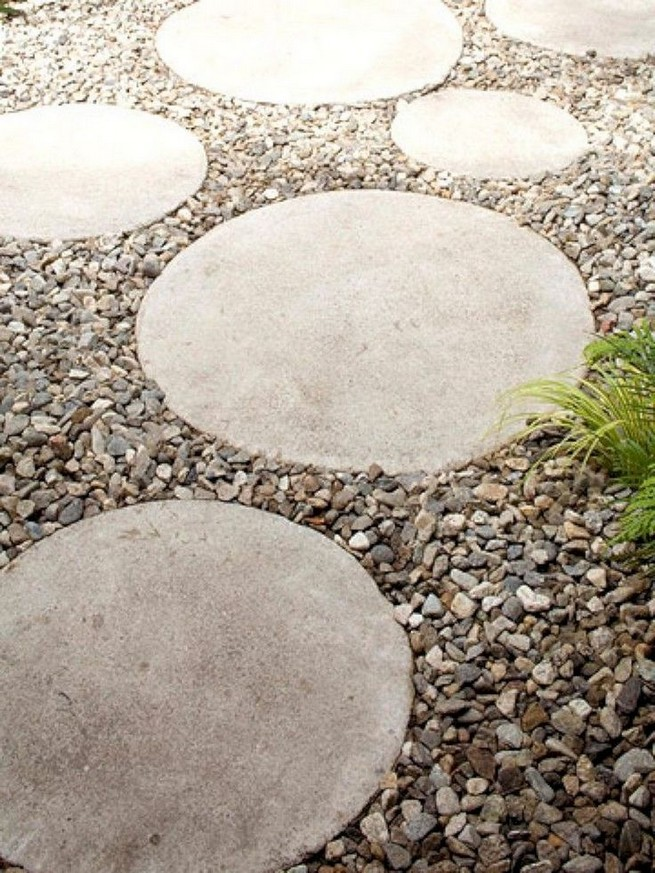 22 Unique Garden Stepping Stone Ideas 26