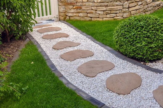22 Unique Garden Stepping Stone Ideas 41