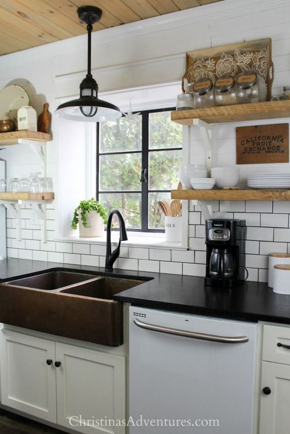 15 Affordable Black And White Kitchen Cabinets 11