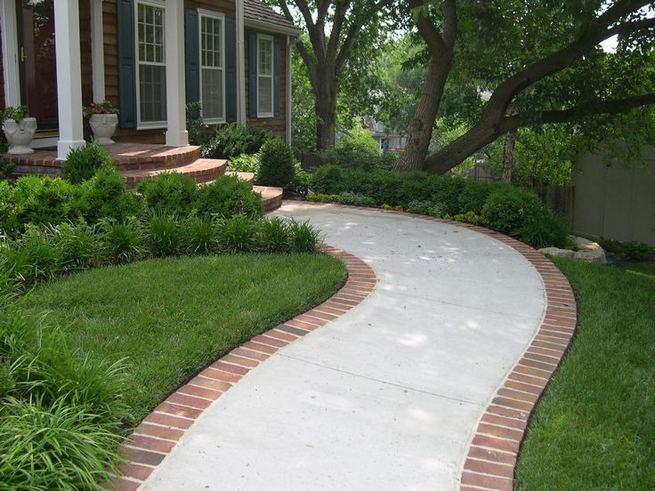 15 Elegant Front Sidewalk Landscaping Ideas 29