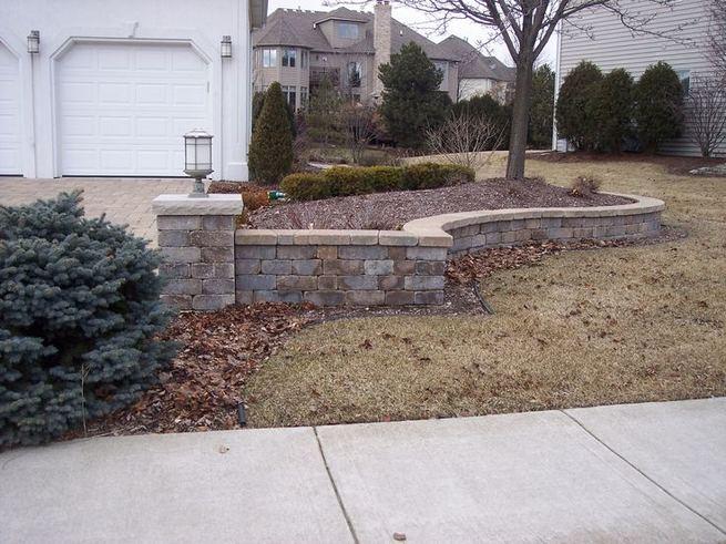 15 Elegant Front Sidewalk Landscaping Ideas 30