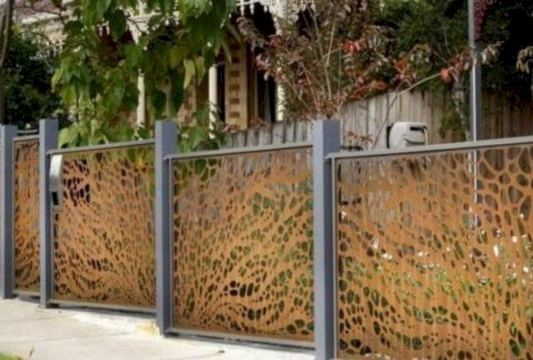 15 Stunning Bamboo Fence Decor Ideas You Can Add For Your Home 02