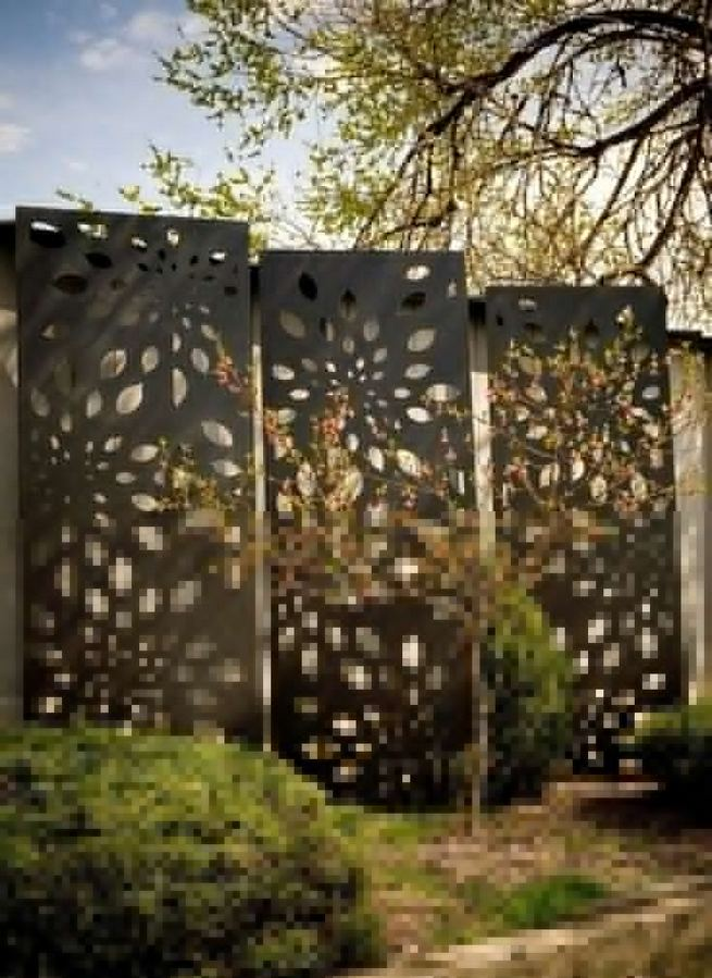 15 Stunning Bamboo Fence Decor Ideas You Can Add For Your Home 13