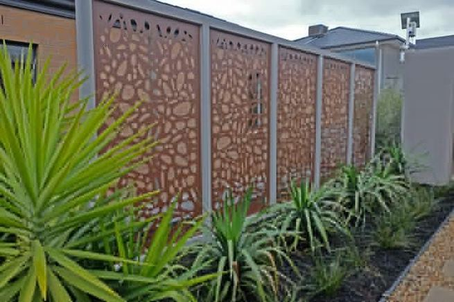 15 Stunning Bamboo Fence Decor Ideas You Can Add For Your Home 16
