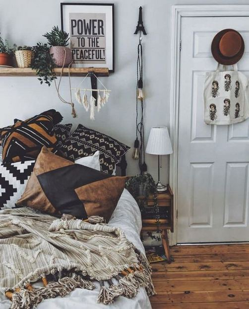 17 Inspiring Bohemian Style Bedroom Decor Design Ideas 23