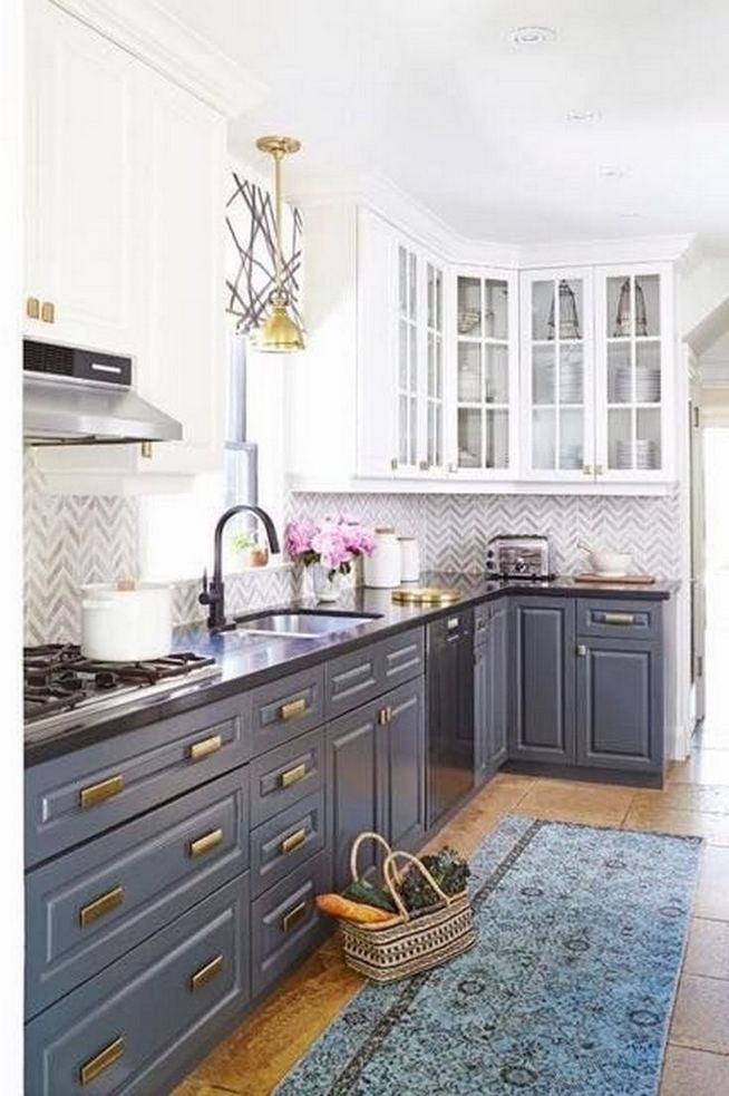 18 Easy Kitchen Cabinet Painting Ideas 11