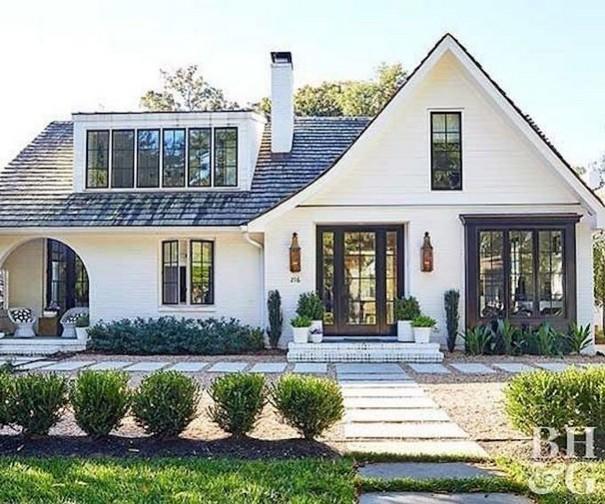 21 Gorgeous Cottage House Exterior Design Ideas 25