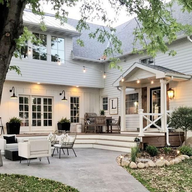 21 Gorgeous Cottage House Exterior Design Ideas 45
