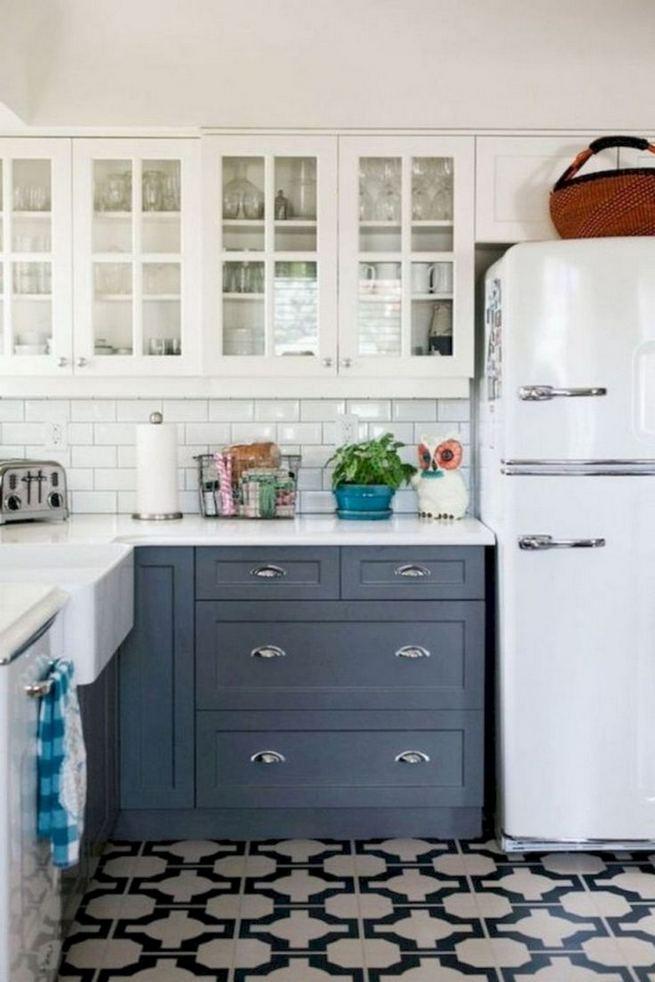21 Gorgeous Dark Blue Kitchen Cabinets 04