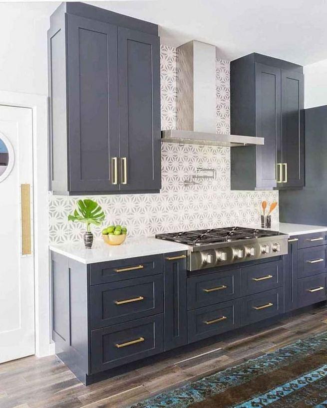 21 Gorgeous Dark Blue Kitchen Cabinets 11