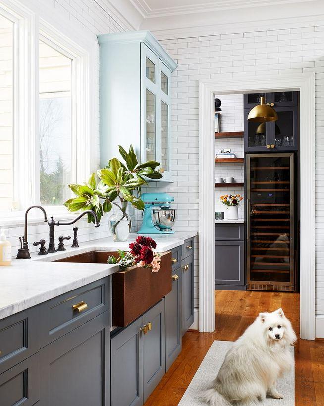 21 Gorgeous Dark Blue Kitchen Cabinets 36