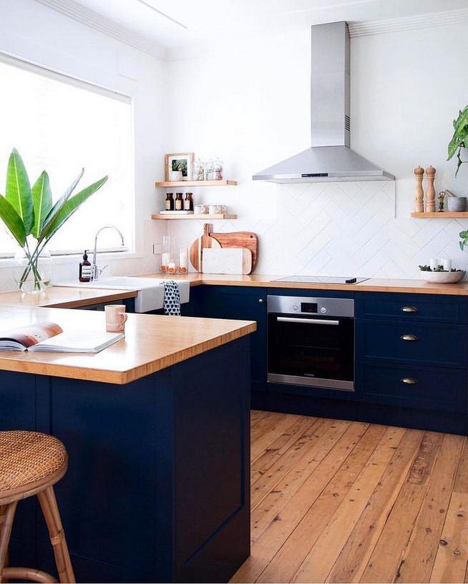 21 Gorgeous Dark Blue Kitchen Cabinets 38