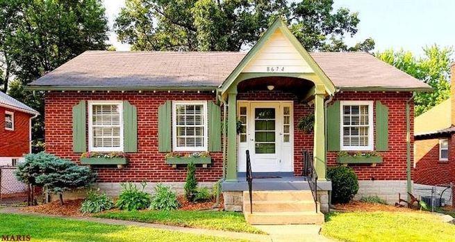 24 Adorable Brick House Exterior Makeover 22